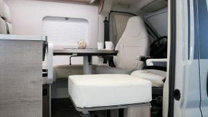 Mooveo-Van-63DBL_Lounge_03