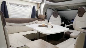Mooveo-Wohnmobil-TEI71FBH_Dinette_05